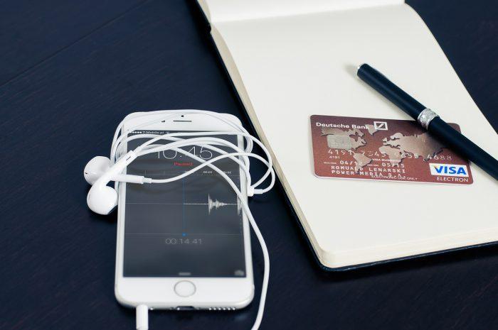 カードやスマホで支払う電子マネー
